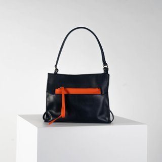 Navy blue shoulder bag in smooth leather (with wristlet)