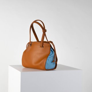 Vecto Gusset Bag in Tan with Azure Gusset
